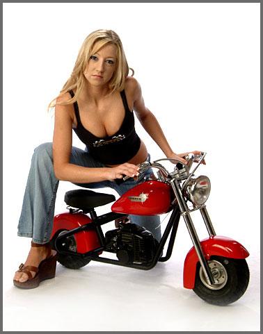 Mulheres de mini moto, gostosa de mni moto, babes on mini bike, Women on mini bike